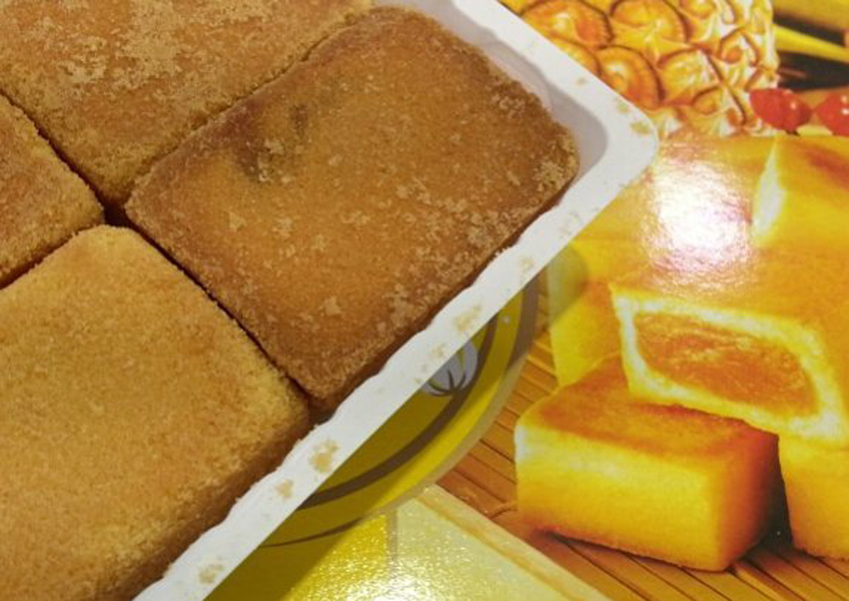 Koreans are crazy over Taiwan pineapple cakes, including a chocolate version