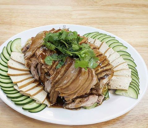 This 2nd-gen hawker made 'Uncle Food' duck rice Instagrammable again, increased sales by 30 per cent