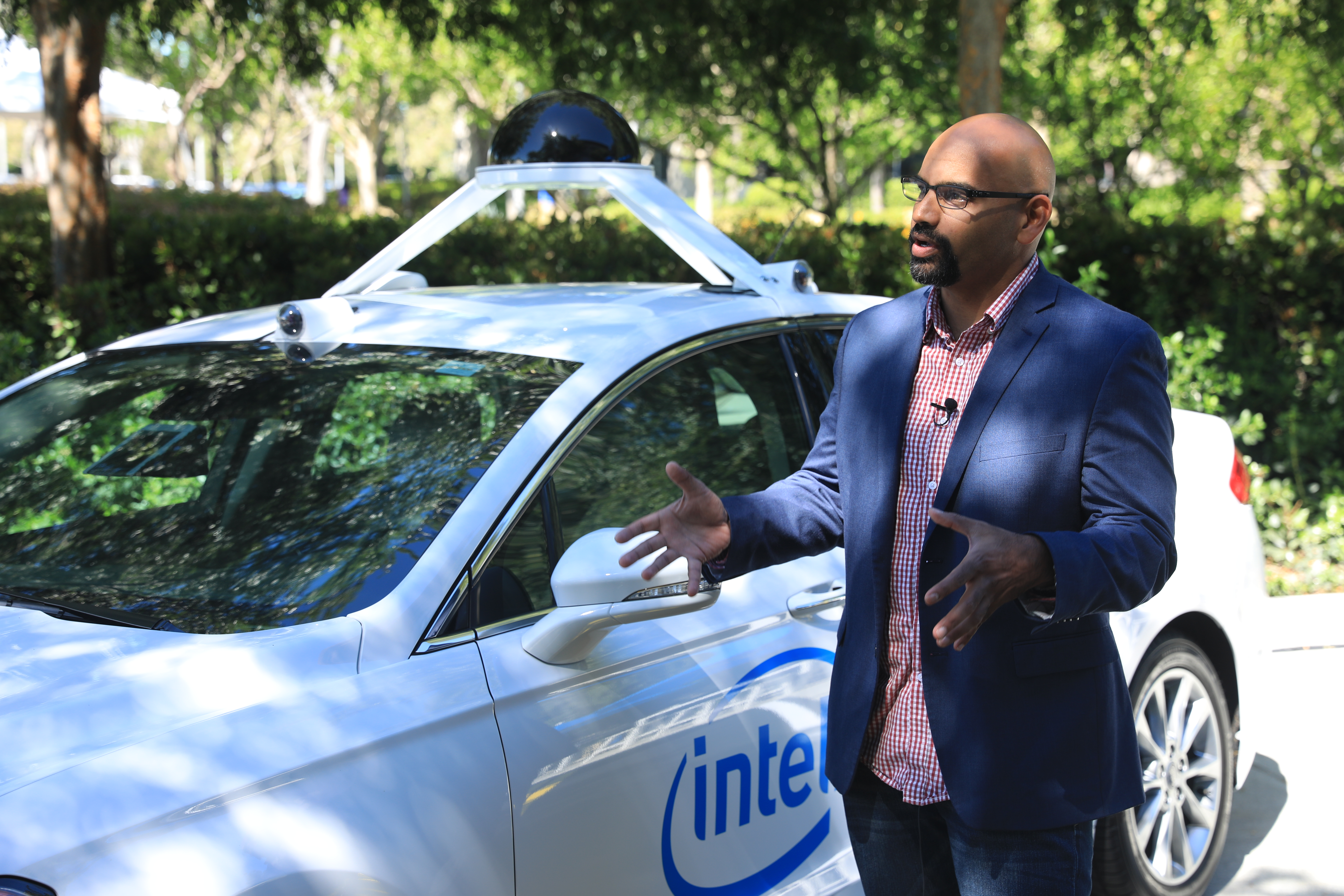 Intel to build a fleet of over 100 self-driving test cars starting later this year