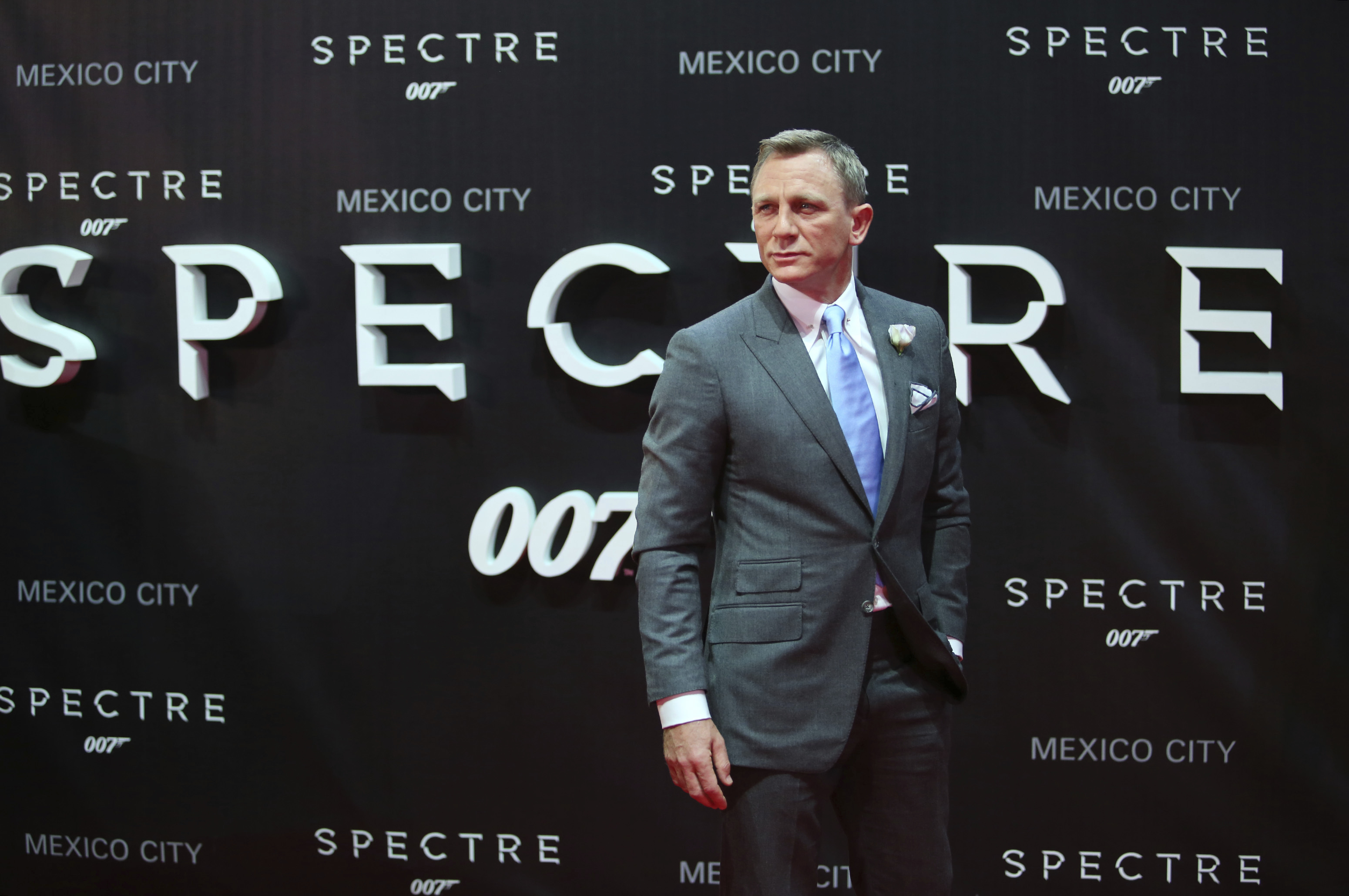 Apple and Amazon reportedly pursuing James Bond franchise rights