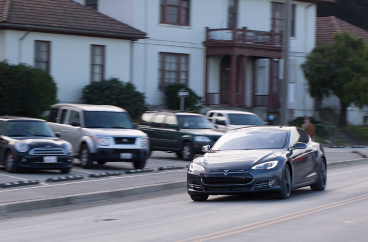 Tesla flips a switch to increase the range of some cars in Florida to help people evacuate