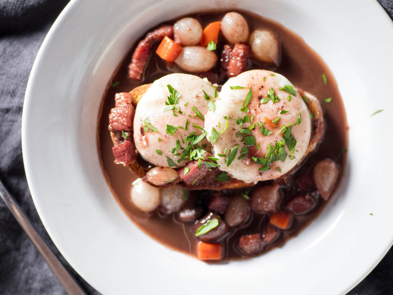 Eggs en Meurette (Poached Eggs in Red Wine Sauce)
