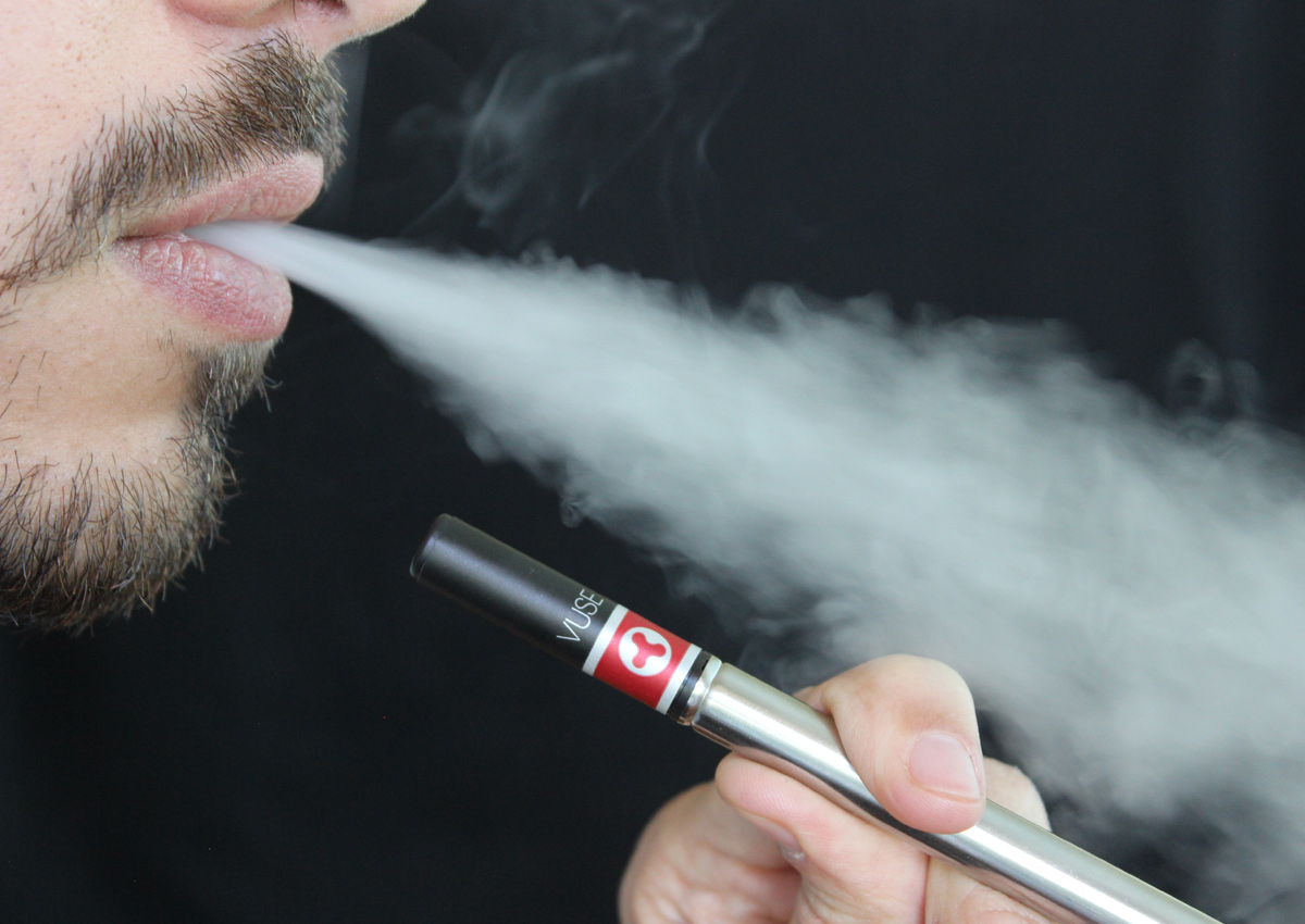 Switching to e-cigarettes would delay millions of deaths: Study