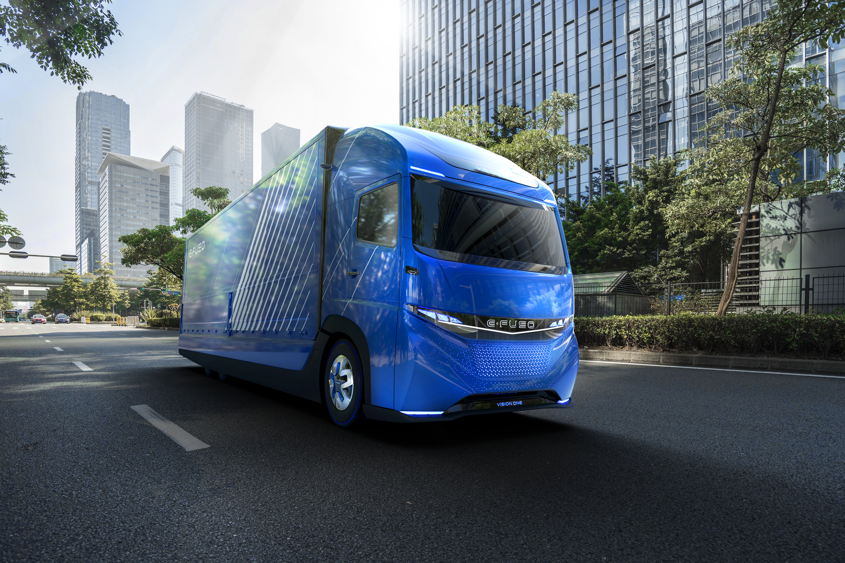 Daimler's new electric heavy-duty truck has 220 miles of range