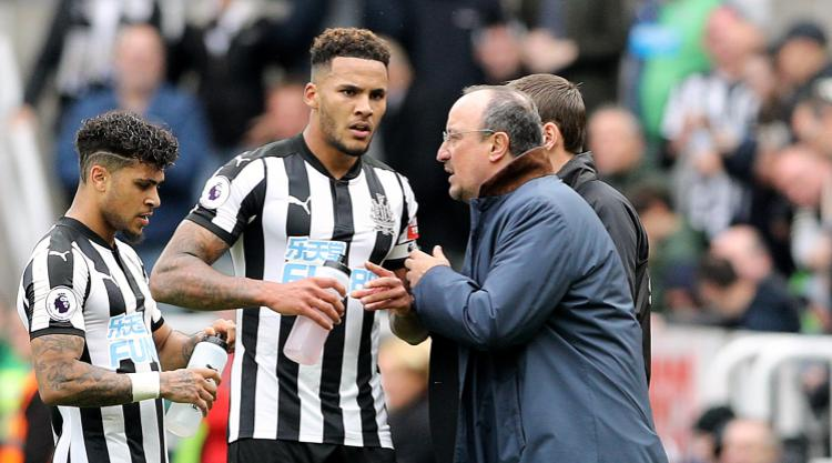 Jamaal Lascelles commits future to Newcastle after signing long-term deal