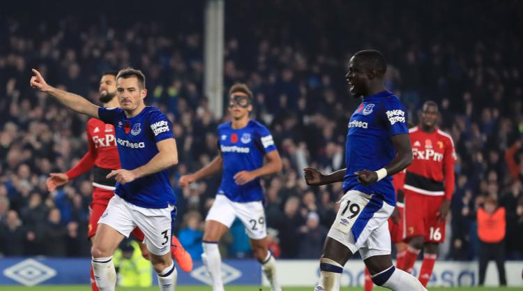 Late Leighton Baines penalty gives Everton first win in nine games