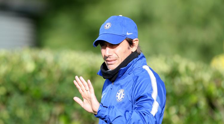 Chelsea boss Antonio Conte backs players to fight back in face of adversity