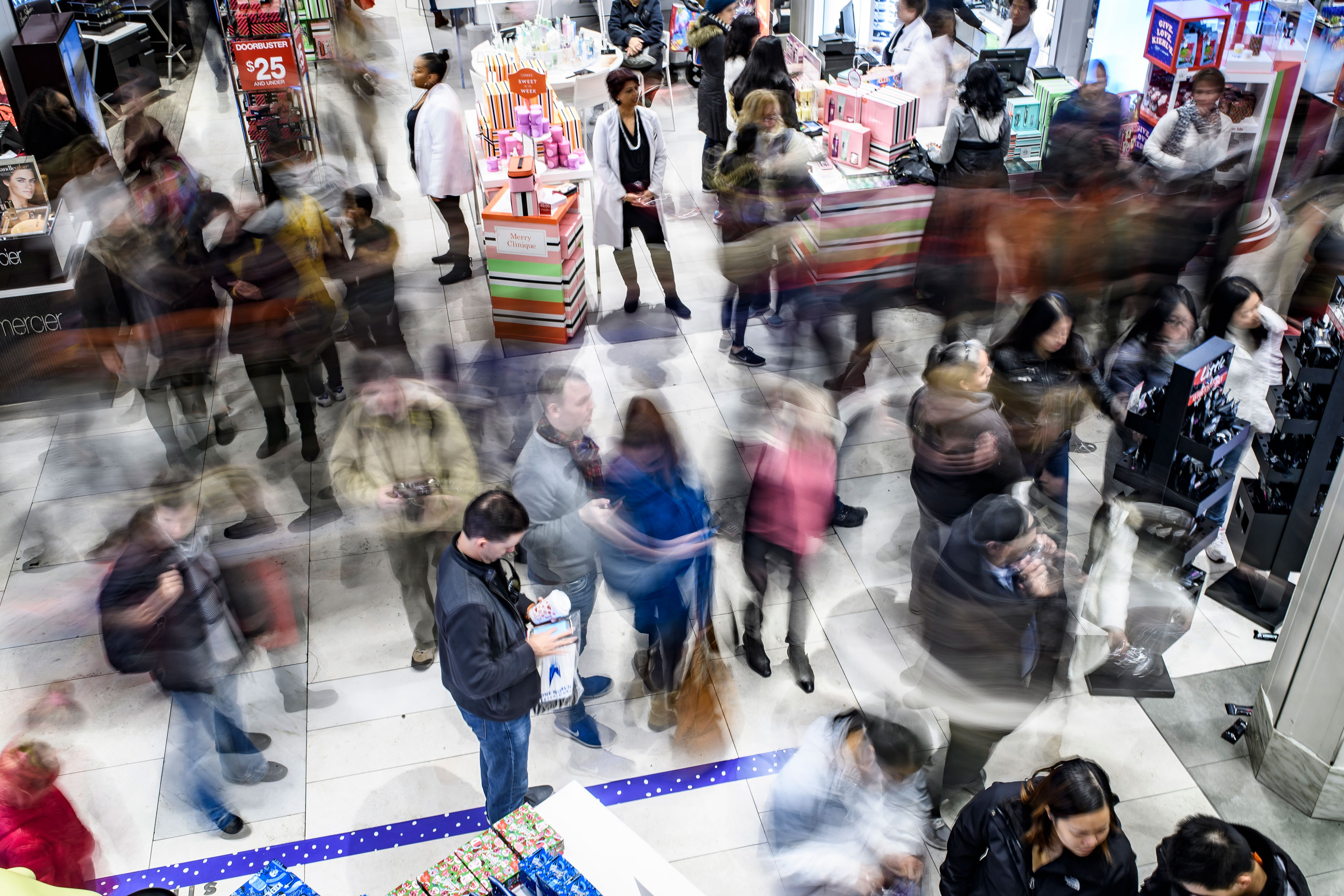 Black Friday deals net $640M in sales so far, mobile 60% of all traffic