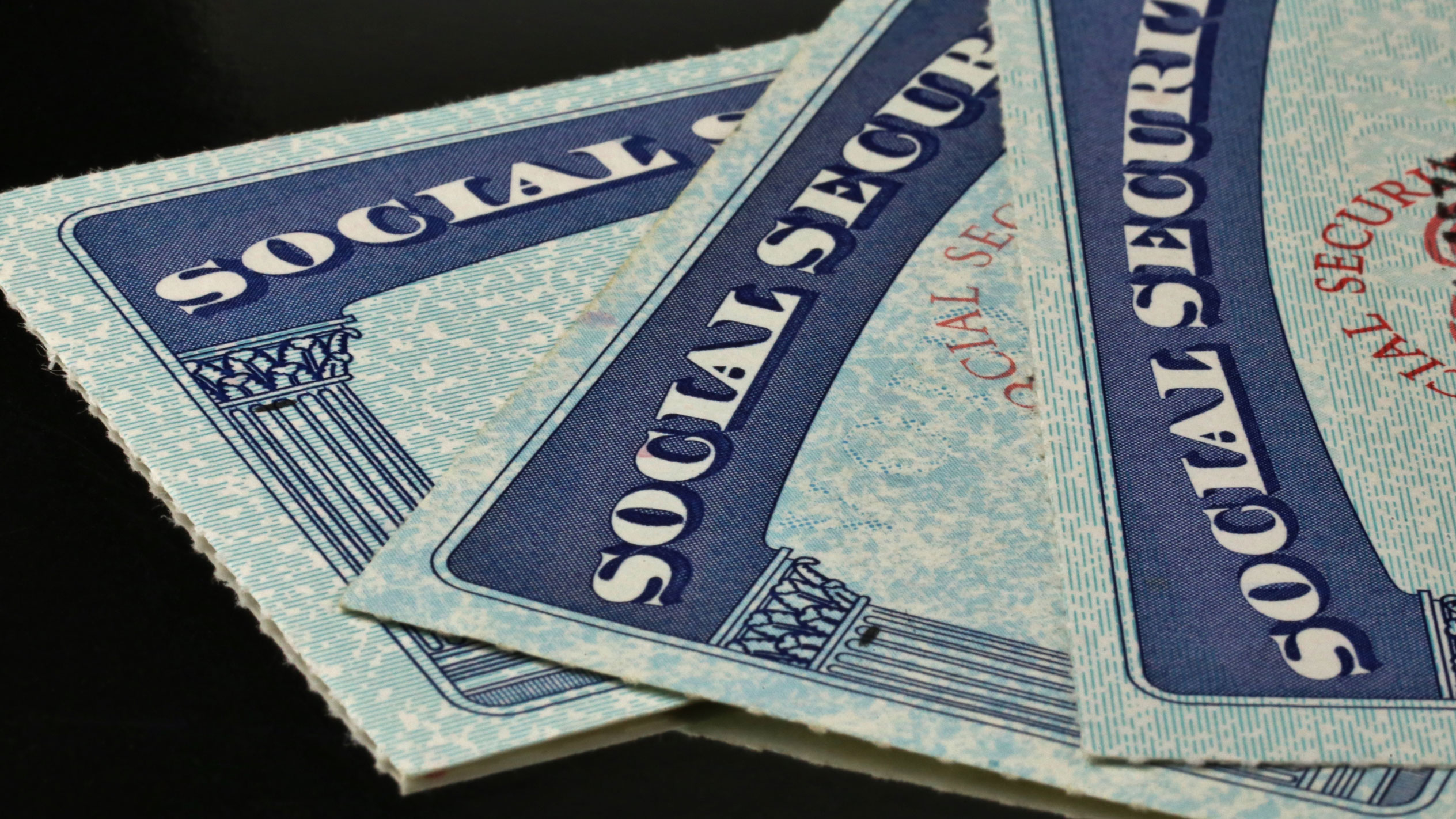 Senators push to ditch Social Security numbers in light of Equifax hack