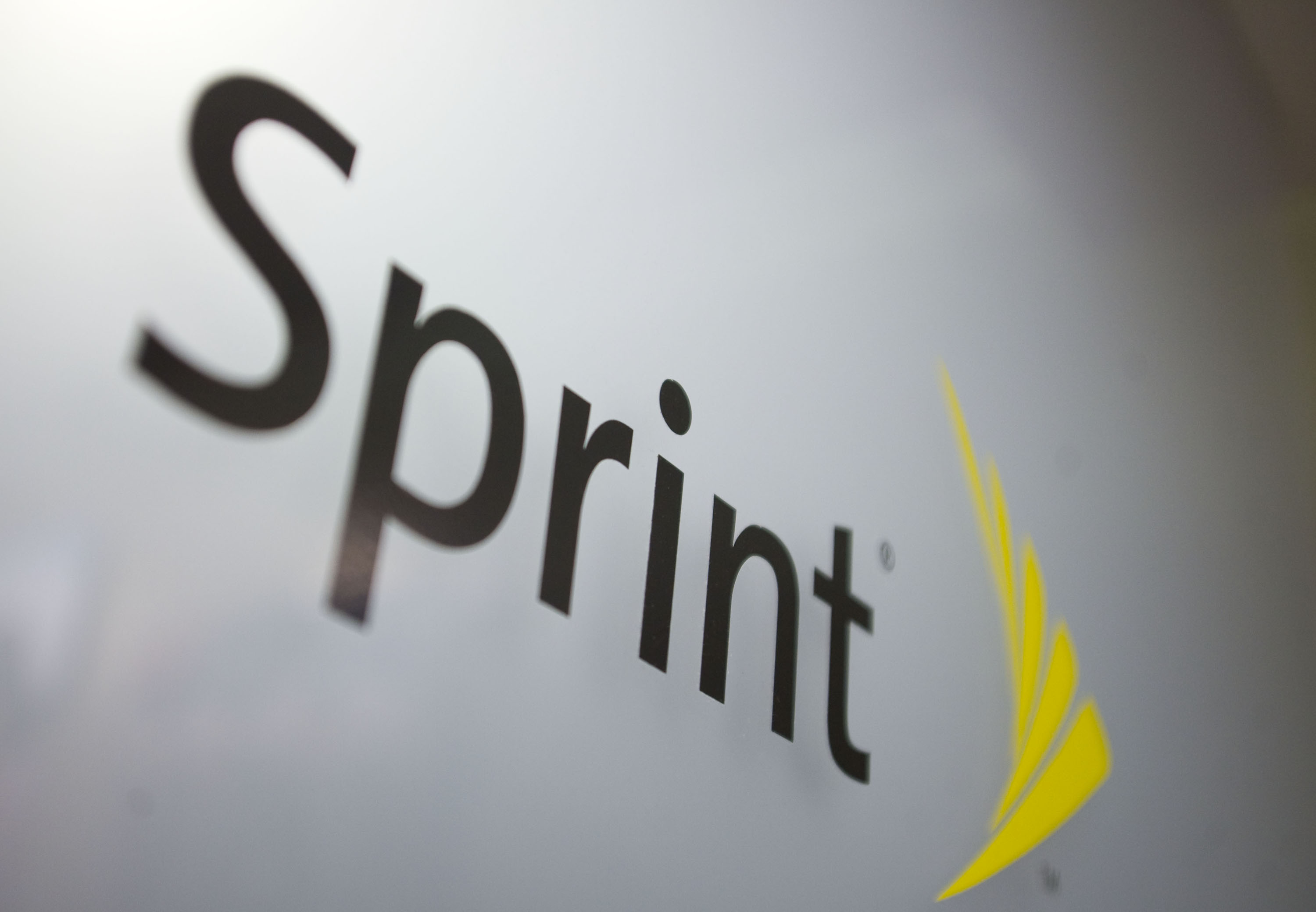 SoftBank increasing Sprint stake after T-Mobile deal called off