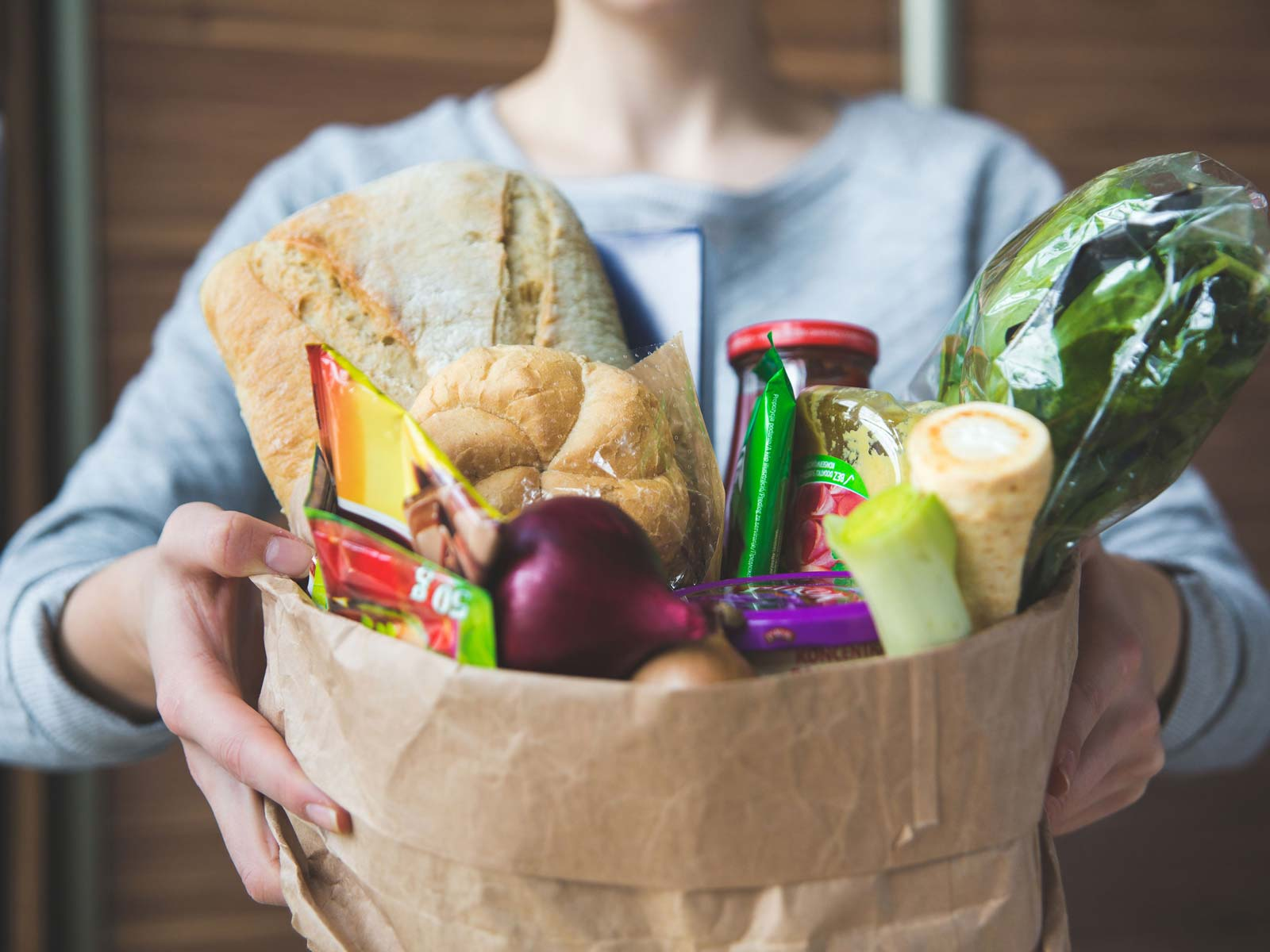 Instacart signs deal with Albertsons