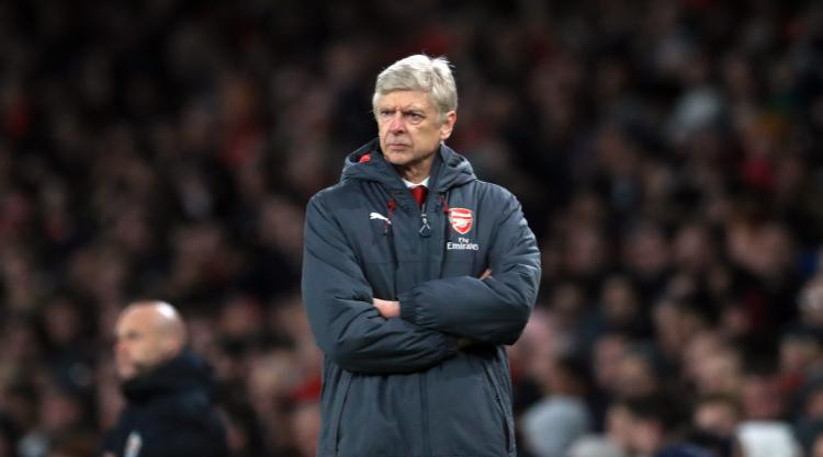 Wenger's not giving up on the title despite 15-point gap