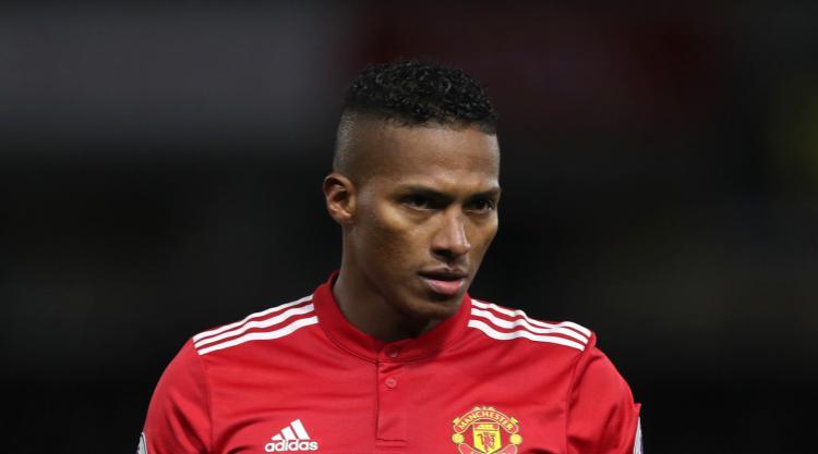 Manchester United wait on severity of Antonio Valencia hamstring injury