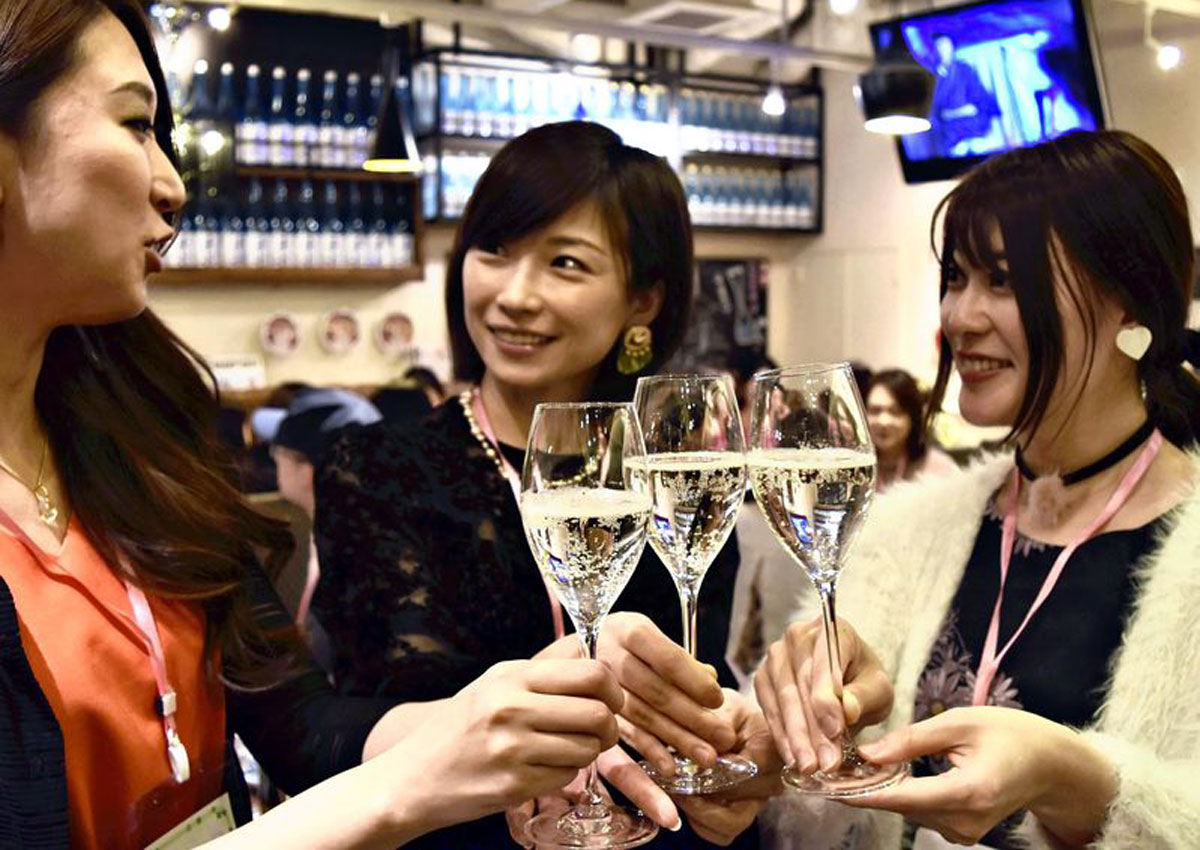 Sparkling sake vies to become toast of choice
