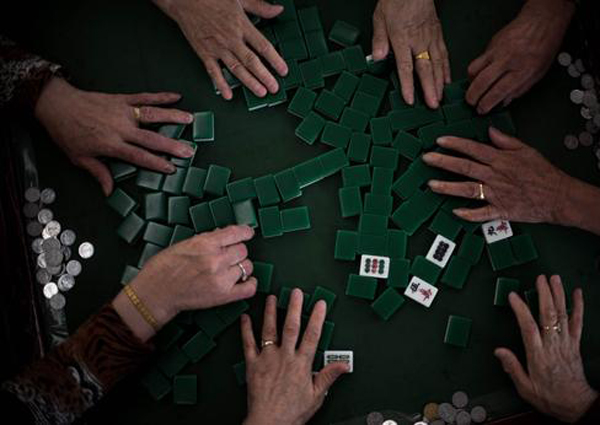Man in China dies after drawing winning tile in mahjong game