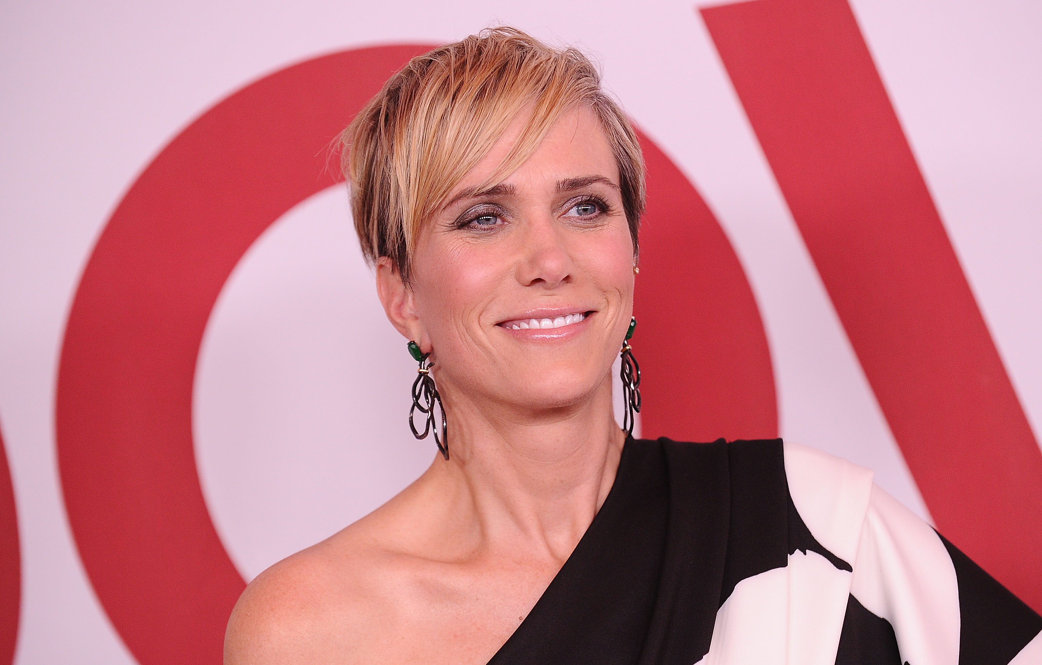 Apple greenlights new Reese Witherspoon-backed comedy series starring Kristen Wiig