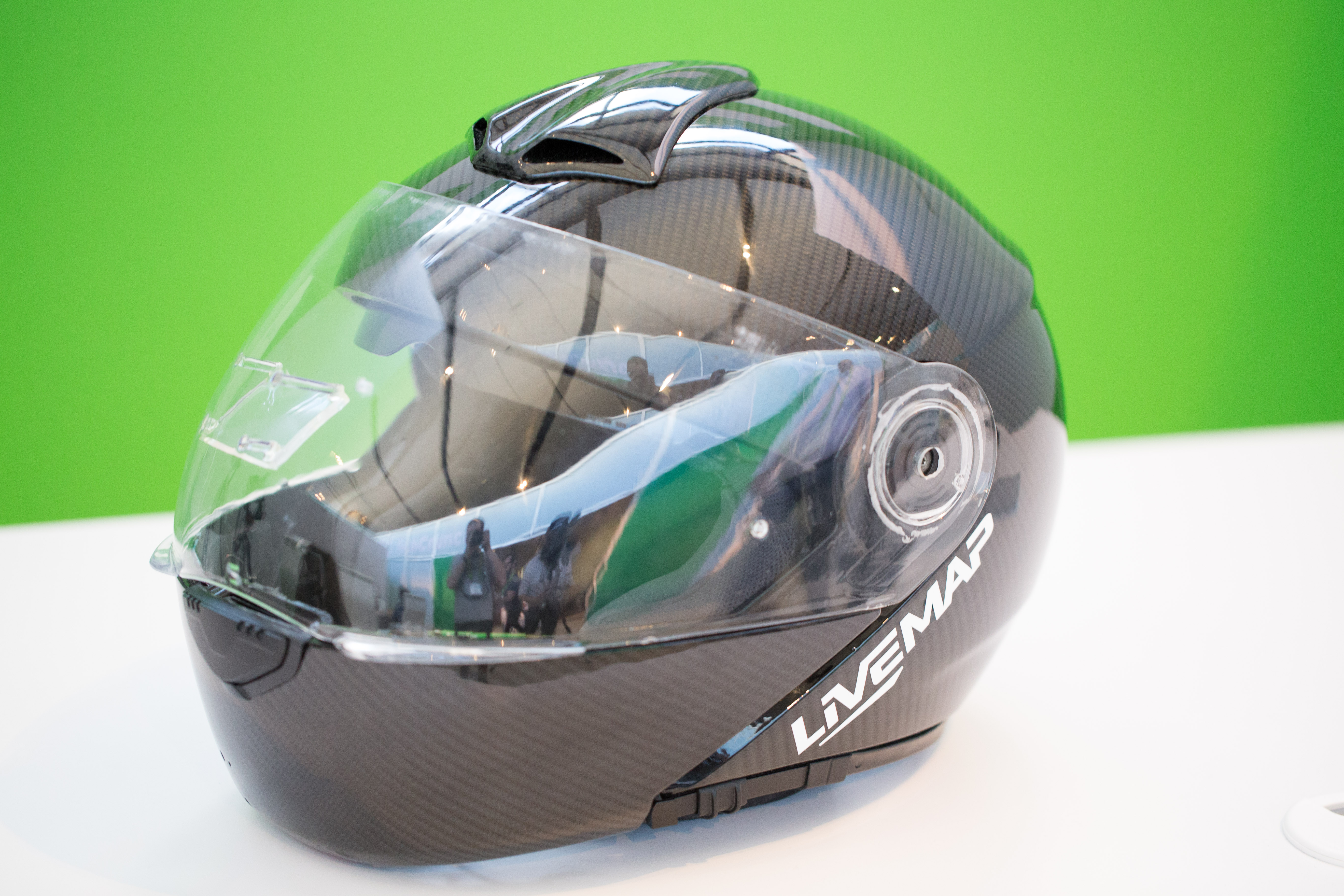LiveMap shows off latest prototype of augmented reality motorcycle helmet