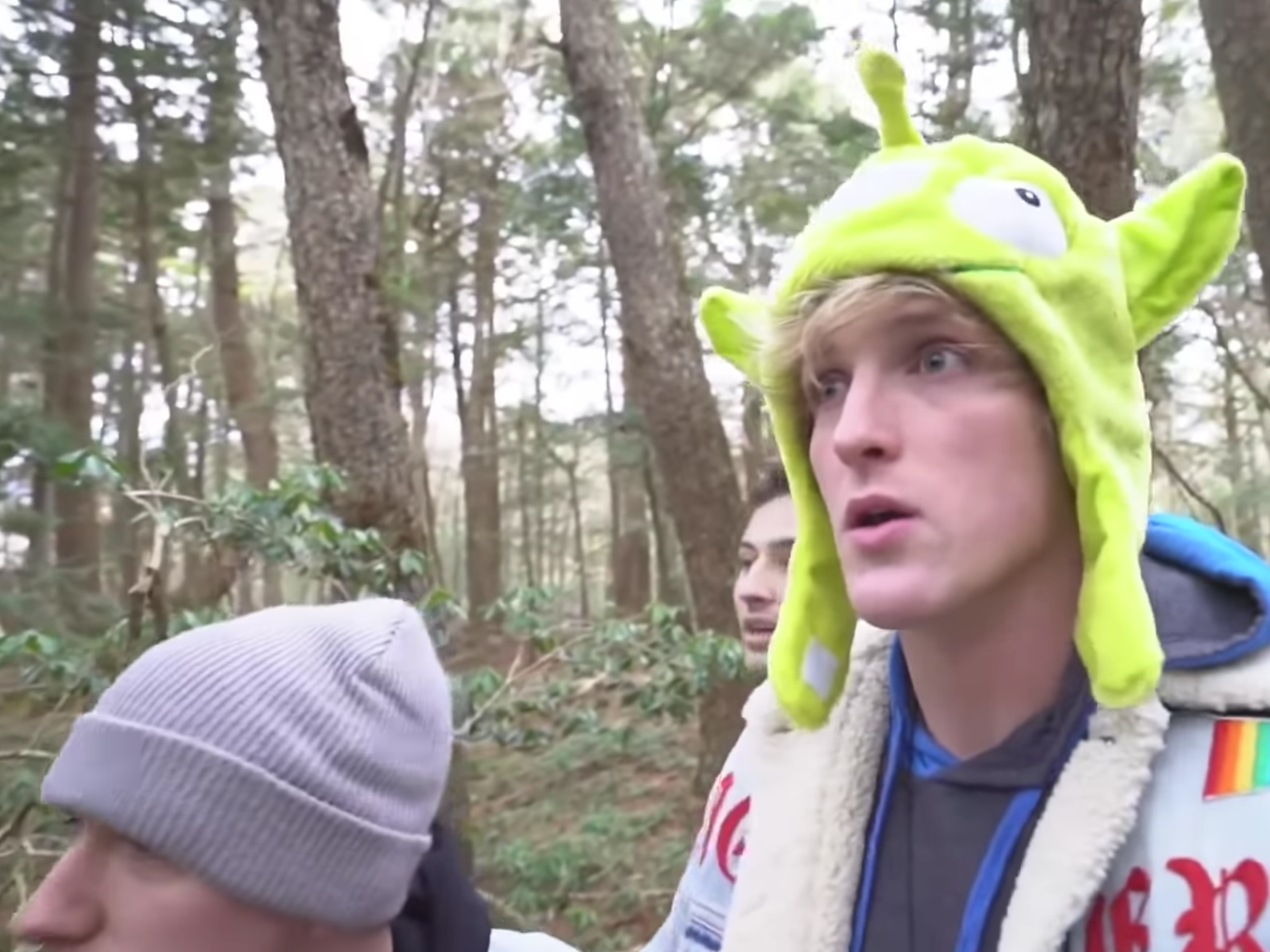 YouTube star Logan Paul apologies for video of apparent suicide victim