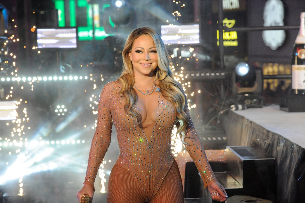Mariah Carey says she has bipolar disorder