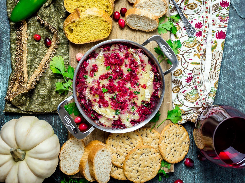 Cranberry-Jalapeño Baked Brie Dip