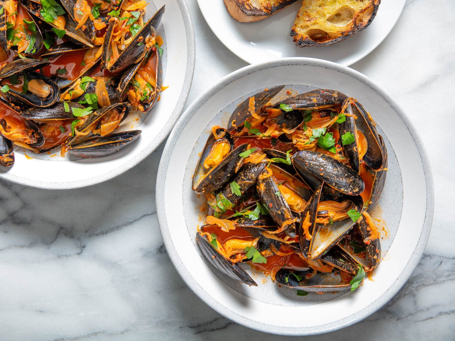Spicy Steamed Mussels With 'Nduja